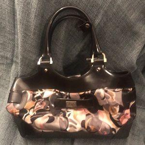 Beijo floral handbag